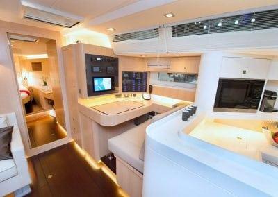 AMEL 64 Yacht 4